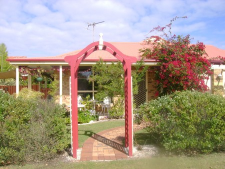Angels Beach Lodge - ACT Tourism