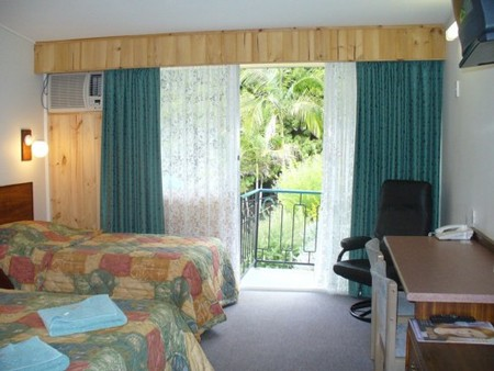 Coachman Motel - ACT Tourism