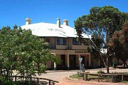 Hawker Hotel Motel - ACT Tourism