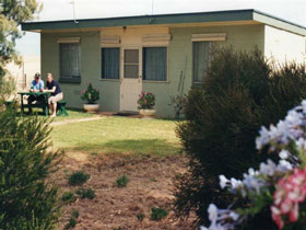 Oaklands Fishing Cottage - ACT Tourism