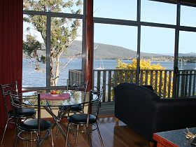 Driftwood Cottages - Beach House - ACT Tourism