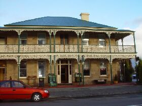 Richmond Arms Hotel - The - ACT Tourism