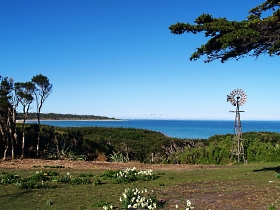 Three Hummock Island - ACT Tourism