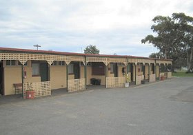 Central Court Motel - ACT Tourism