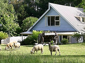 Hide-Away Cottage Retreat - ACT Tourism