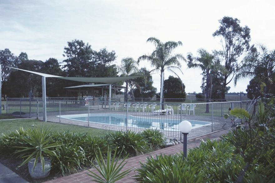 Aaroona Holiday Resort - ACT Tourism