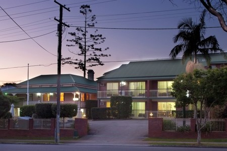 Aabon Holiday Apartments  Motel