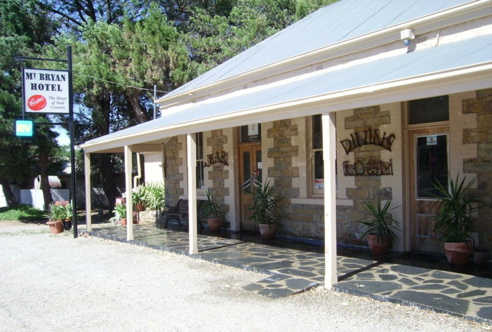 Mount Bryan Hotel - ACT Tourism
