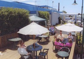 Top Of The Town Hotel - ACT Tourism