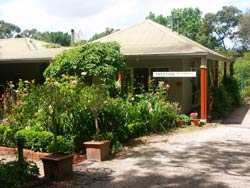 Treetops Bed And Breakfast - ACT Tourism