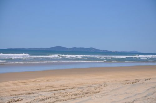 Teewah Beach Escapes - ACT Tourism