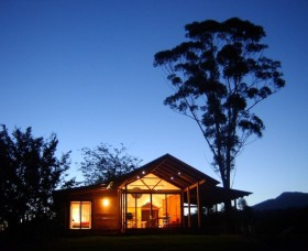 Promised Land Cottages - ACT Tourism