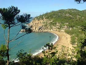 Magnetic Island Holiday Homes - ACT Tourism