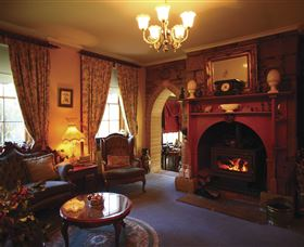 Oatlands Lodge Colonial Accommodation - ACT Tourism