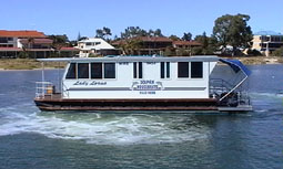 Dolphin Houseboat Holidays - ACT Tourism