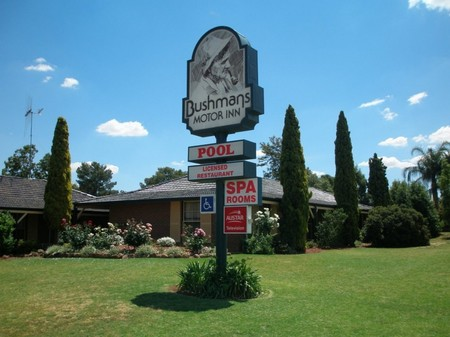 Bushmans Motor Inn - ACT Tourism