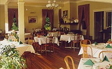 Closeburn House - - ACT Tourism