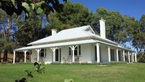 Orchard House - ACT Tourism