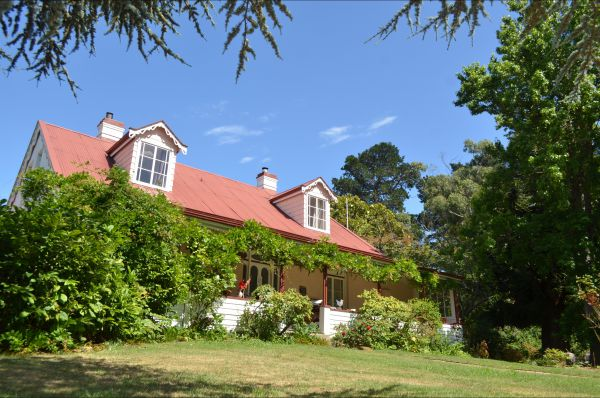 Hawthorn Lodge - ACT Tourism