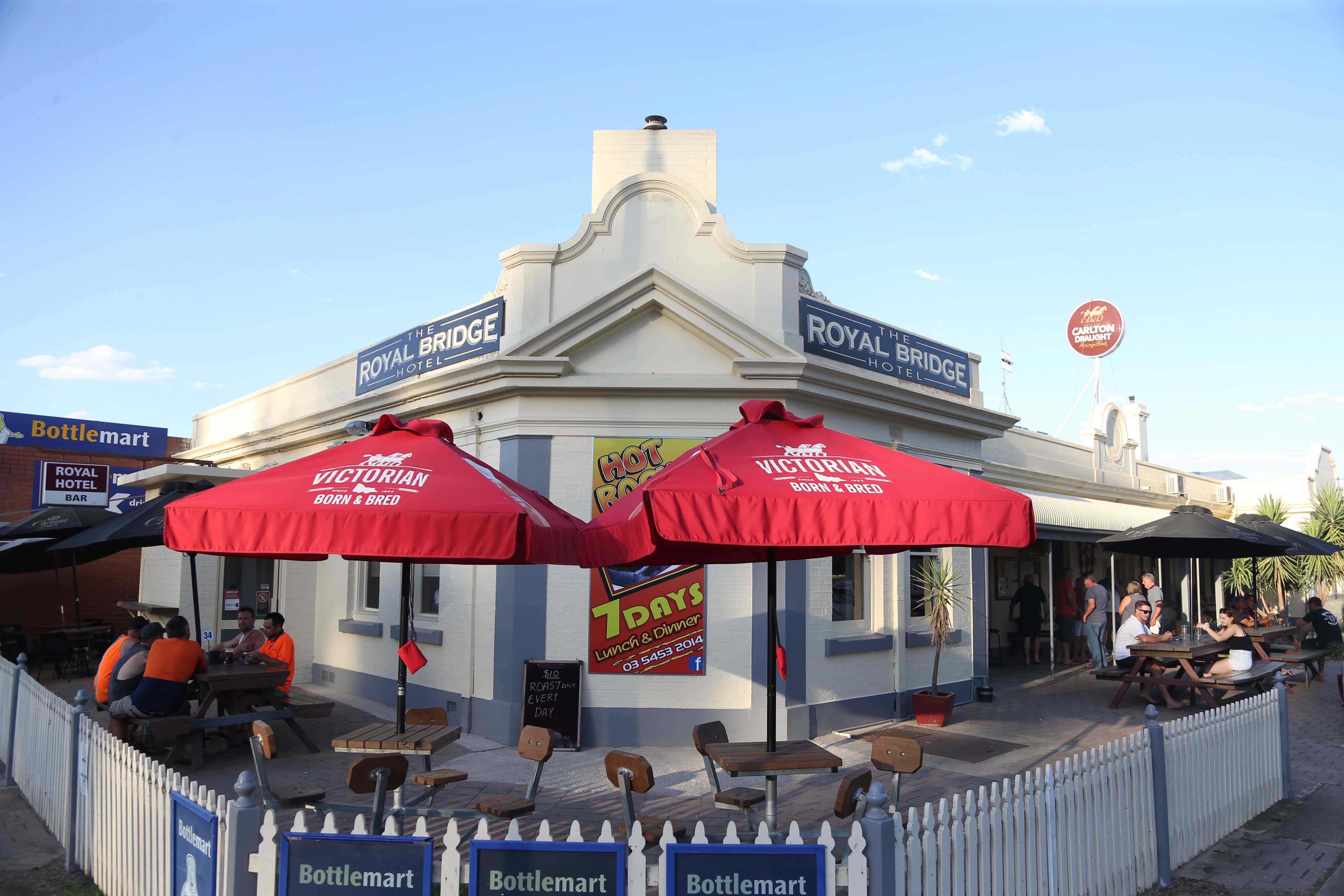 Royal Bridge Hotel Barham - ACT Tourism