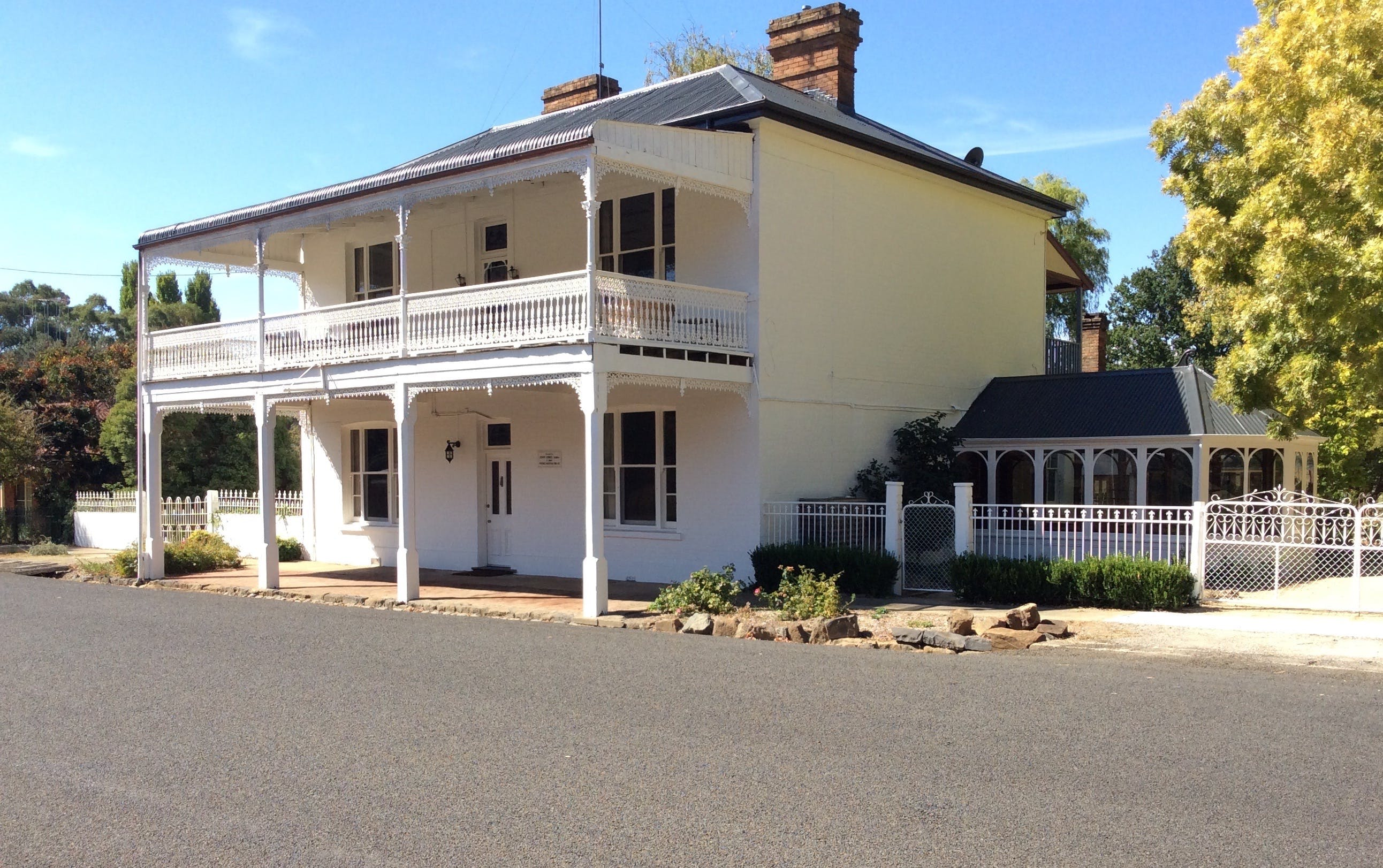The White House Carcoar - ACT Tourism