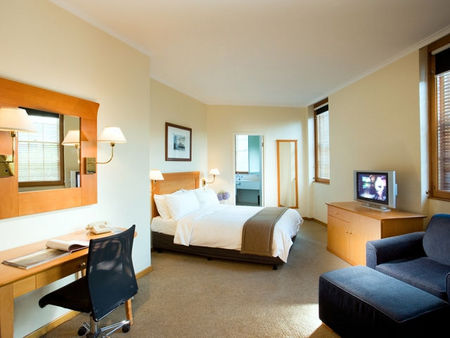 Holiday Inn Old Sydney - ACT Tourism