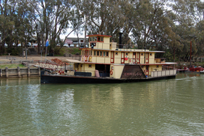 Emmylou Paddle Steamer - ACT Tourism