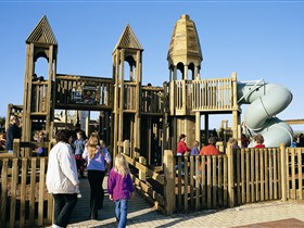 Jubilee Park Adventure Playground - ACT Tourism