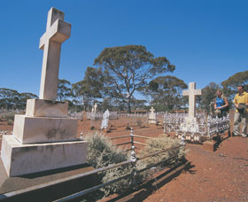 Coolgardie Cemetery - ACT Tourism