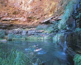 Dales Gorge and Circular Pool - ACT Tourism