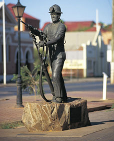 Miners Monument - ACT Tourism