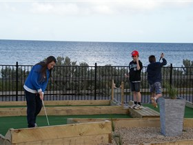 Port Vincent Putt Putt - ACT Tourism