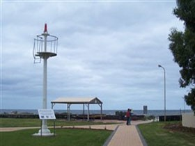Turnbull Park Centenary Park and Foreshore - ACT Tourism
