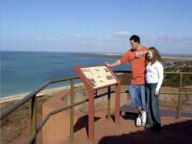 Hummock Hill Lookout - ACT Tourism