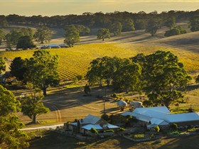 Hutton Vale and Farm Follies - ACT Tourism