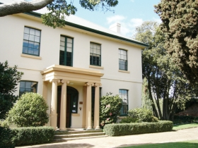 Franklin House - ACT Tourism