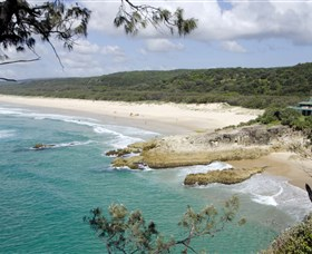 Main Beach North Stradbroke Island - ACT Tourism