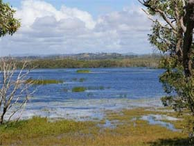 Lake Barfield - ACT Tourism