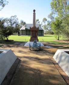 Mitchell War Memorial - ACT Tourism