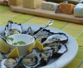Oyster Shed on Wray Street - ACT Tourism