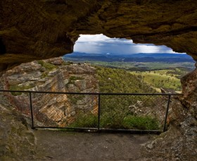 Hassans Walls Lookout - ACT Tourism