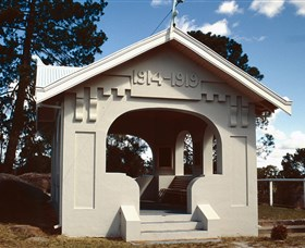 Stanthorpe Soldiers Memorial - ACT Tourism