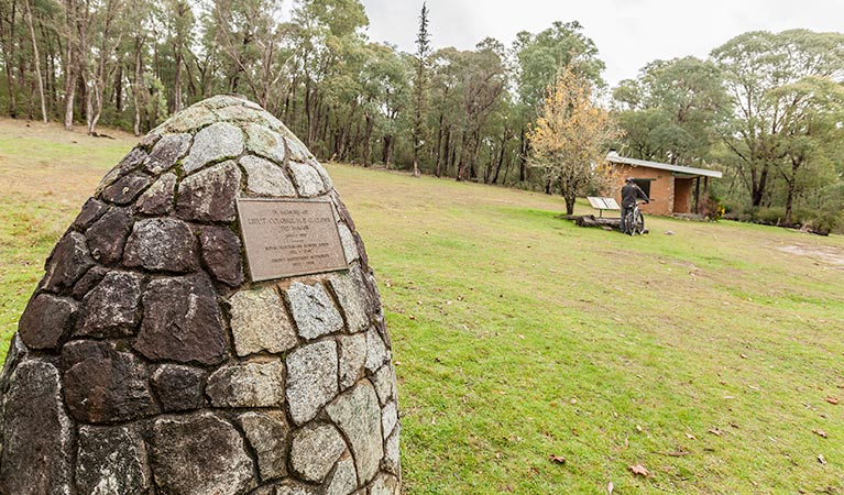 Major Clews Hut walking track - ACT Tourism