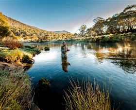 Fly Fishing Tumut - ACT Tourism