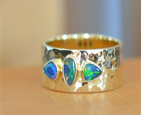 Lost Sea Opals - ACT Tourism