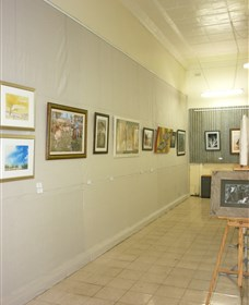 Outback Arts Gallery - ACT Tourism