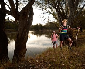 Narrandera Bike and Hike Track - ACT Tourism