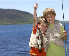 Fishing on Keswick Island - ACT Tourism
