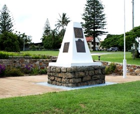 Dunwich War Memorial - ACT Tourism