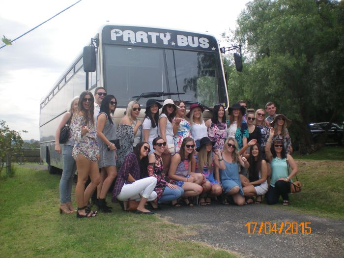 R  R Bus and Leisure Hire - ACT Tourism